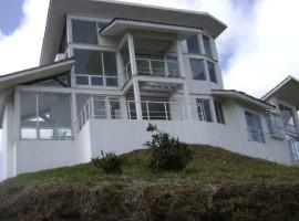 Casa Las Nubes